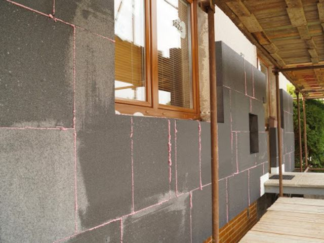 Obrázek 4 pro článek Šedý grafitový fasádní polystyren, v čem je lepší než bílý?