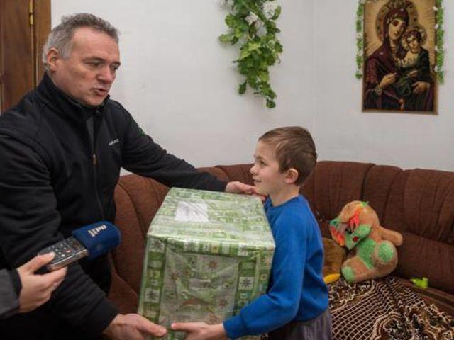 Obrázek 6 pro článek Podpůrný fond ZOFÍK daroval vánoční balíčky na Ukrajině.