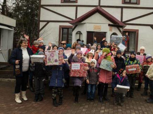 Obrázek 7 pro článek Podpůrný fond ZOFÍK daroval vánoční balíčky na Ukrajině.