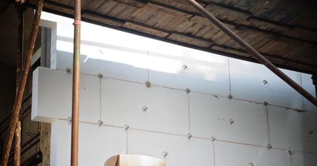 Obrázek 1 pro článek Do 8 metrů výšky domu nemusím izolant dodatečně kotvit?
