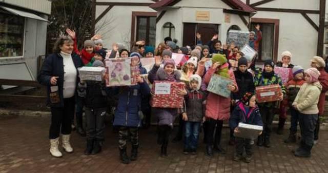 Obrázek 1 pro článek Podpůrný fond ZOFÍK daroval vánoční balíčky na Ukrajině.