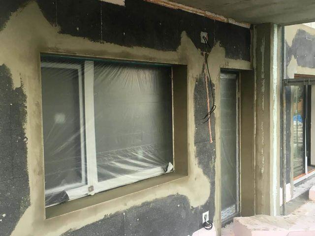 Obrázek 2 pro referenci Zateplení fasády RD šedým polystyrenem Hostavice | STAVBA 181033