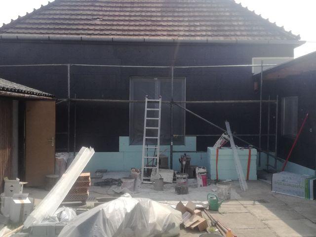 Obrázek 3 pro referenci Zatepleni fasády starého domu šedým polystyrenem Želeč | STAVBA 182026