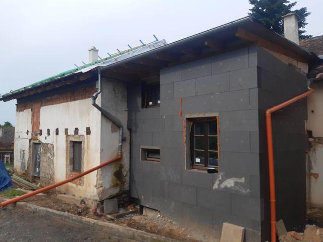Obrázek 2 pro referenci Realizace zateplení fasády RD děrovaným polystyrenem Zábeštní Lhota | STAVBA 192040