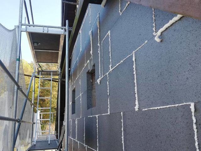 Obrázek 5 pro referenci Realizace zateplení fasády RD šedým polystyrenem Hrabišín | STAVBA 182017
