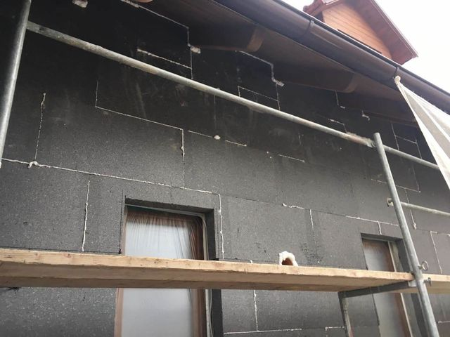 Obrázek 5 pro referenci Realizace zateplení fasády RD šedým polystyrenem Hlasná Třebáň | STAVBA 181038