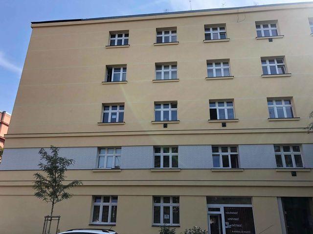 Obrázek 2 pro referenci Realizace zateplení fasády BD minerální vatou Praha- Holešovice | STAVBA 181005