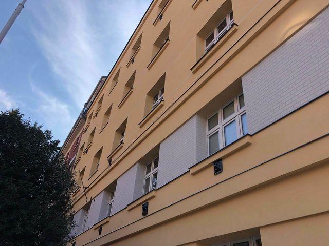 Obrázek 3 pro referenci Realizace zateplení fasády BD minerální vatou Praha- Holešovice | STAVBA 181005