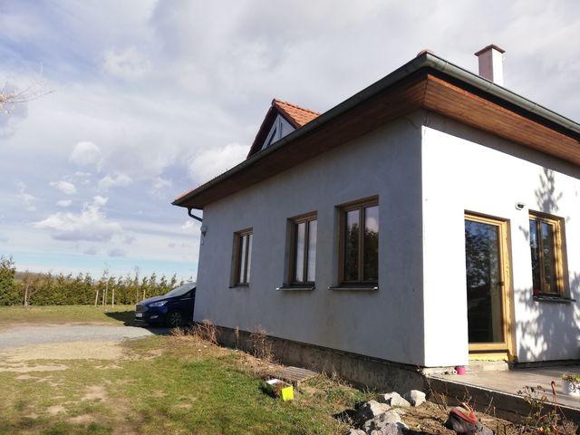 Obrázek 3 pro referenci Zateplení fasády RD šedým EPS s Klinker obklady Dolní Břežany | STAVBA  191019