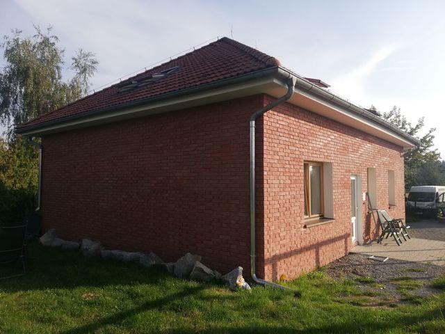 Obrázek 6 pro referenci Zateplení fasády RD šedým EPS s Klinker obklady Dolní Břežany | STAVBA  191019