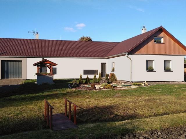 Obrázek 5 pro referenci Grafický návrh fasády rodinného domu v odstínech CERESIT.