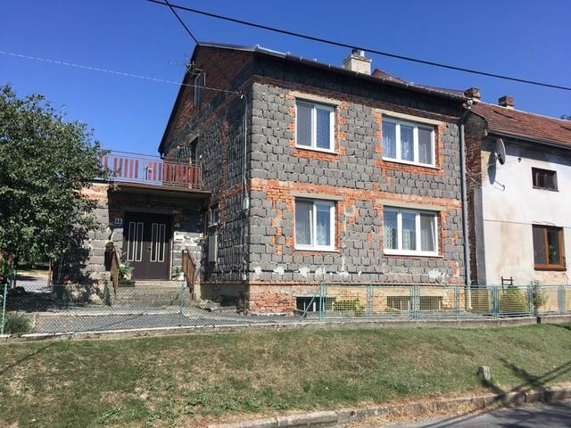Obrázek 6 pro referenci Grafický návrh fasády staršího RD v odstínech CERESIT
