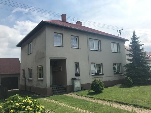 Obrázek 2 pro referenci Grafický návrh fasády staršího rodinného domu v odstínech CERESIT