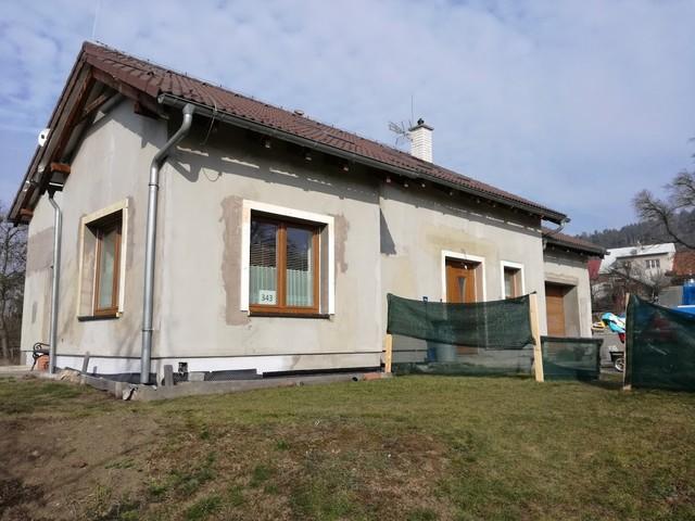 Obrázek 2 pro referenci Grafický návrh fasády RD s dekorativní šablonou CERESIT VISAGE
