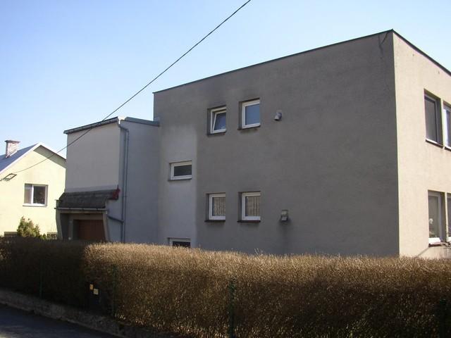 Obrázek 4 pro referenci Grafický návrh fasády RD v šedých odstínech CERESIT