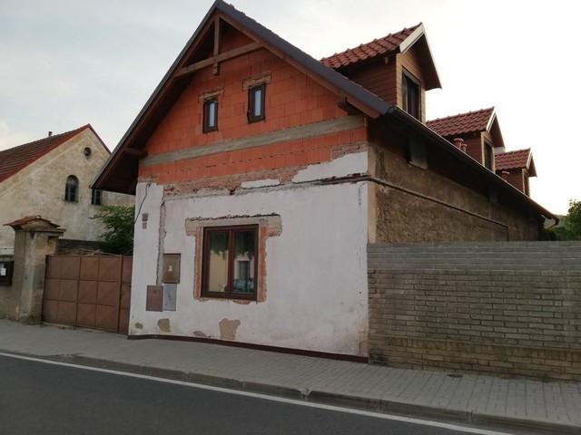 Obrázek 2 pro referenci Grafický návrh fasády RD, šambrány a dekorativní pruhy