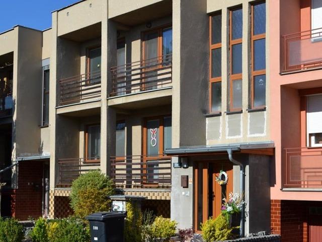 Obrázek 2 pro referenci Grafický návrh fasády s betonovým obkladem na řadovém RD
