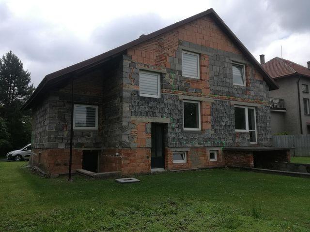 Obrázek 4 pro referenci Zateplení fasády RD šedým polystyrenem Podhradní Lhota | STAVBA 182008
