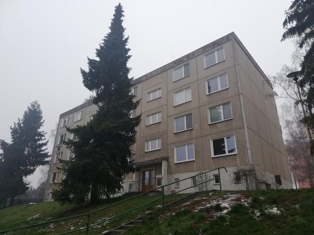 Obrázek 3 pro referenci Rekonstrukce a zateplení bytového domu šedým EPS Libina | STAVBA 202009