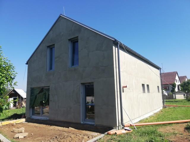 Obrázek 2 pro referenci Realizace finální omítky fasády RD Nový Malín   STAVBA 202004