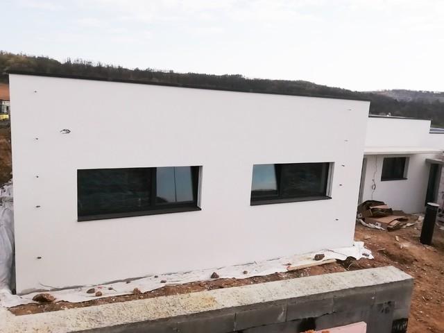 Obrázek 2 pro referenci Zateplení rodinného domu a garáže šedým polystyrenem Mokrá u Brna | STAVBA 212002