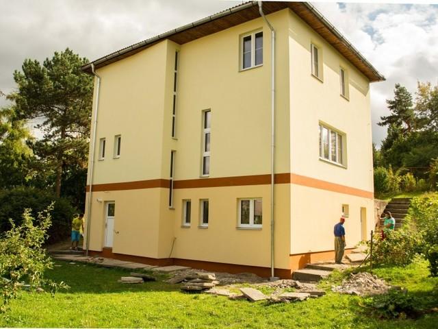 Obrázek 1 pro referenci Zateplení fasády RD bílým polystyrenem Praha | STAVBA 15016