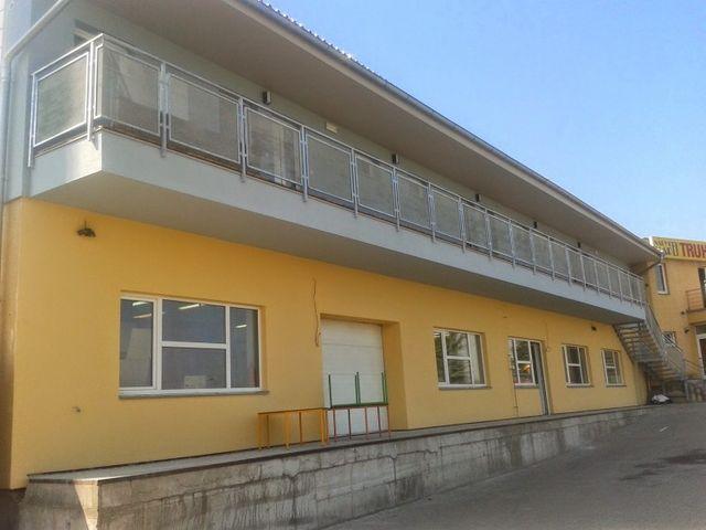 Obrázek 1 pro referenci Realizace zateplení fasády průmyslové budovy bílým polystyrenem Praha | STAVBA 7010
