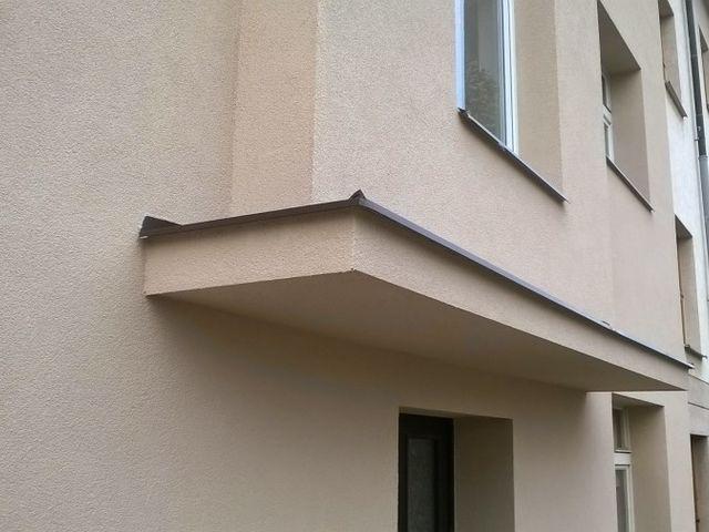 Obrázek 1 pro referenci Zateplení fasády BD šedým polystyrenem Praha | STAVBA 7028