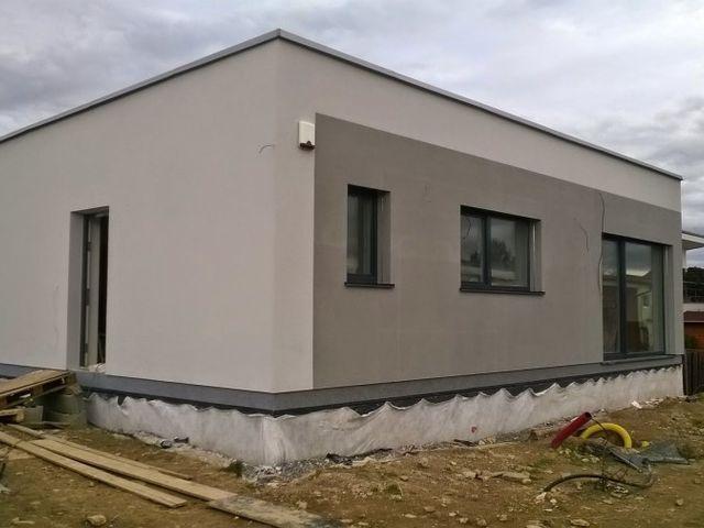 Obrázek 1 pro referenci Zateplení fasády RD šedým polystyrenem Praha - Kyje | STAVBA 7029