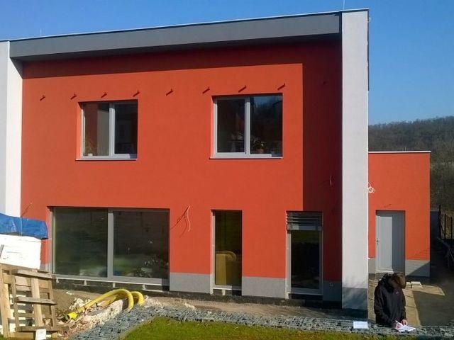 Obrázek 1 pro referenci Zateplení fasády RD šedým polystyrenem Hloubětín - Praha   STAVBA 7031