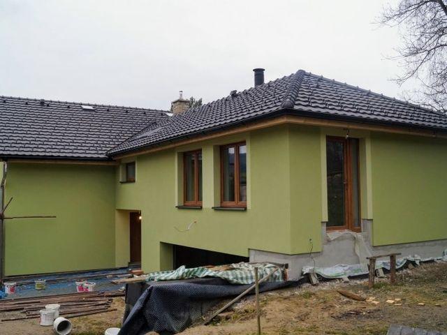 Obrázek 1 pro referenci Zateplení fasády RD bálým polystyrenem Hážovice | STAVBA 7033