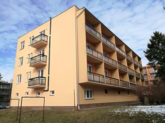 Obrázek 1 pro referenci Zateplení fasády BD šedým polystyrenem Brno | STAVBA 192019