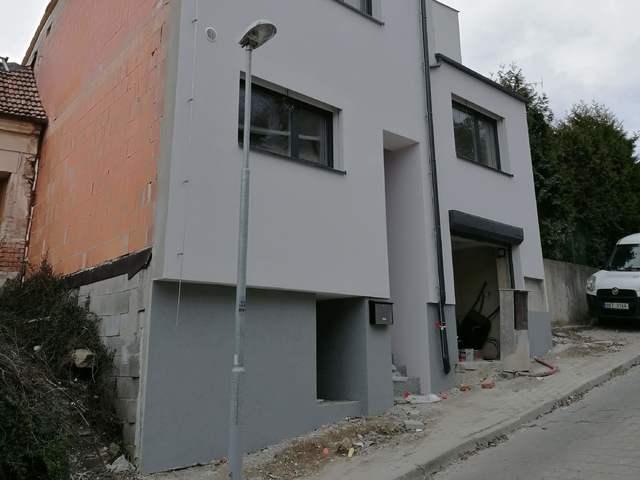 Obrázek 1 pro referenci Realizace zateplení fasády RD šedým polystyrenem Brno | STAVBA 182032