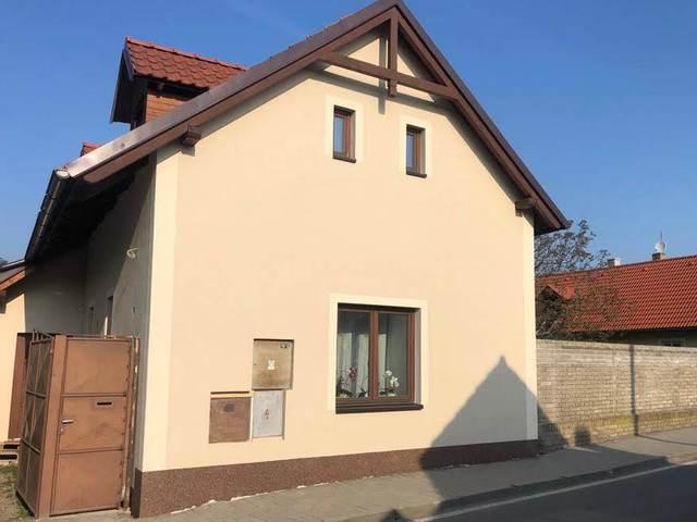 Obrázek 1 pro referenci Realizace zateplení fasády RD šedým polystyrenem Hlasná Třebáň | STAVBA 181038