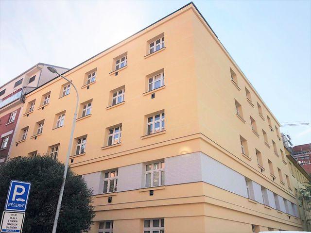 Obrázek 1 pro referenci Realizace zateplení fasády BD minerální vatou Praha- Holešovice | STAVBA 181005