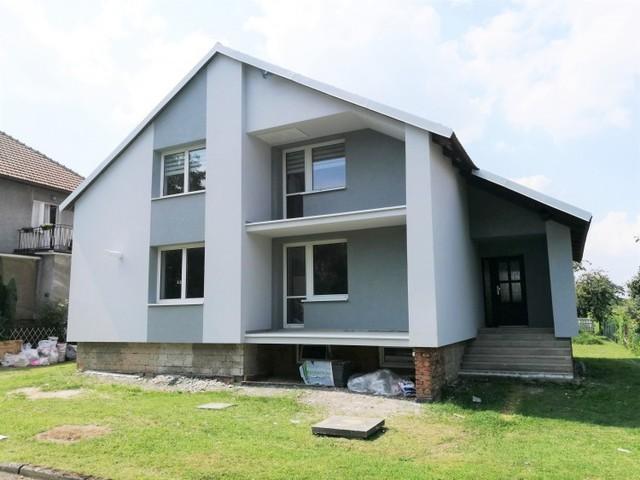 Obrázek 1 pro referenci Zateplení fasády RD šedým polystyrenem Podhradní Lhota | STAVBA 182008