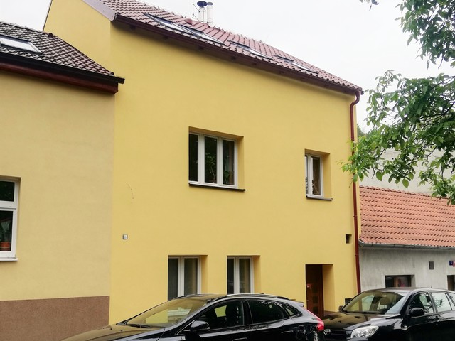Obrázek 1 pro referenci Realizace zateplení RD šedým polystyrenem Praha 10 | STAVBA 201011
