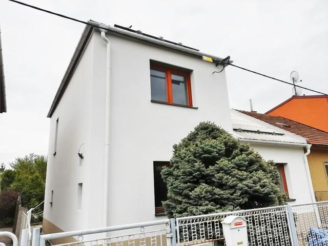 Obrázek 1 pro referenci Zateplení fasády RD šedým polystyrenem Hranice na Moravě   STAVBA 202001