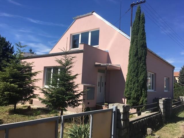 Obrázek 1 pro referenci Zateplení fasády RD šedým grafitovým polystyrenem Kostelec na Hané | STAVBA 182014