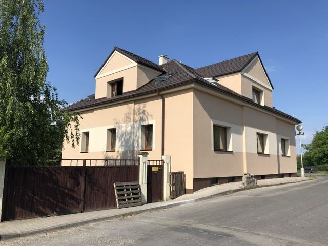 Obrázek 1 pro referenci Zateplení fasády RD Benátky nad Jizerou, šedým polystyrenem | STAVBA 181011
