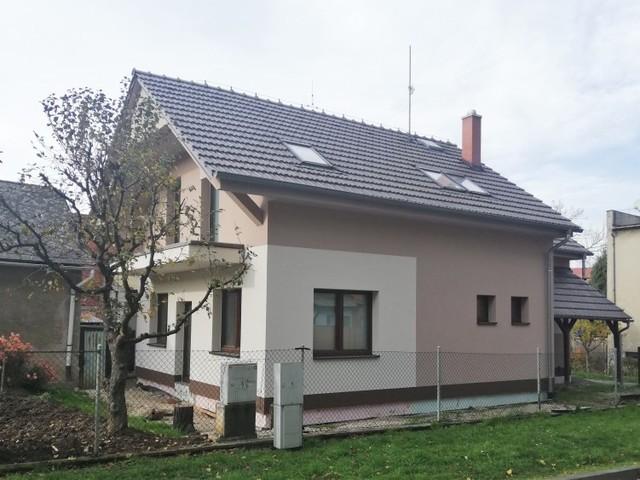 Obrázek 1 pro referenci Zateplení fasády RD šedým polystyrenem Velký Týnec | STAVBA 182006