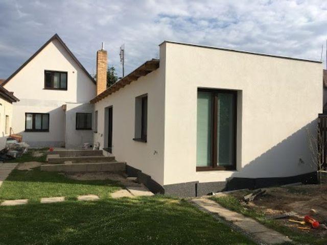 Obrázek 1 pro referenci Zateplení fasády RD Praha Zeleneč, šedým polystyrenem STAVBA 181010