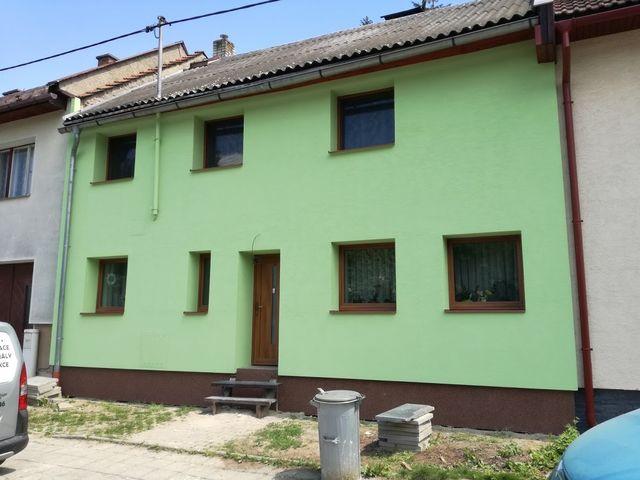 Obrázek 1 pro referenci Zateplení fasády RD Tršice, šedým polystyrenem | STAVBA 16033