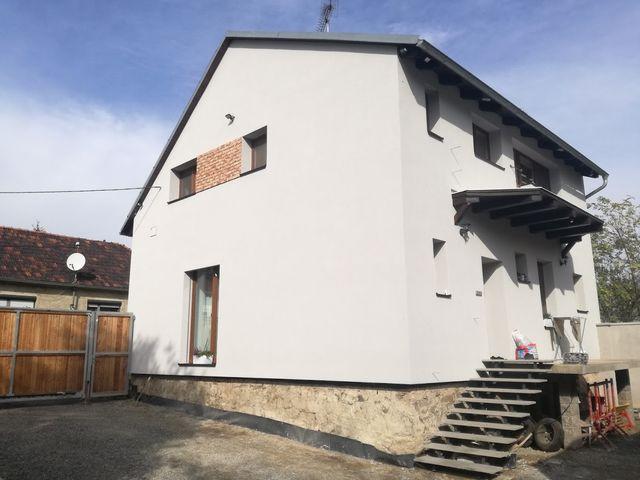 Obrázek 1 pro referenci Zateplení fasády RD v Rousínově u Brna šedým polystyrenem | STAVBA 172007