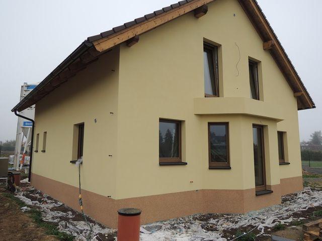 Obrázek 1 pro referenci Zateplení novostavby Praha Louňovice šedým polystyrenem | STAVBA 171019