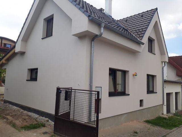 Obrázek 1 pro referenci Zateplení fasády RD polystyrenem Praha Nad Zbrojnicí | STAVBA 171002