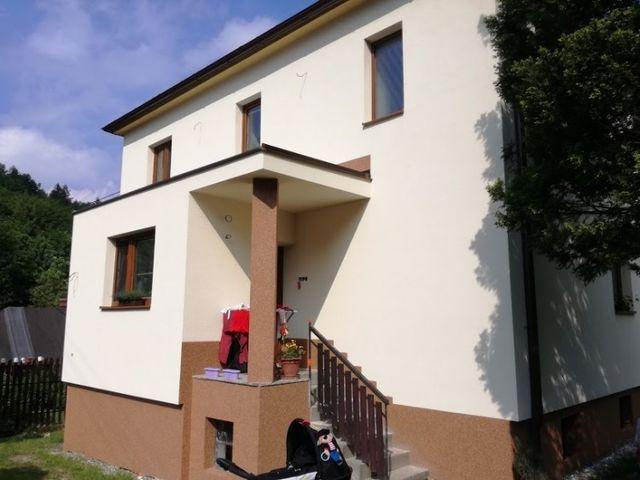 Obrázek 1 pro referenci Zateplení fasády RD šedým polystyrenem Frenštát pod Radhoštěm | STAVBA 173002