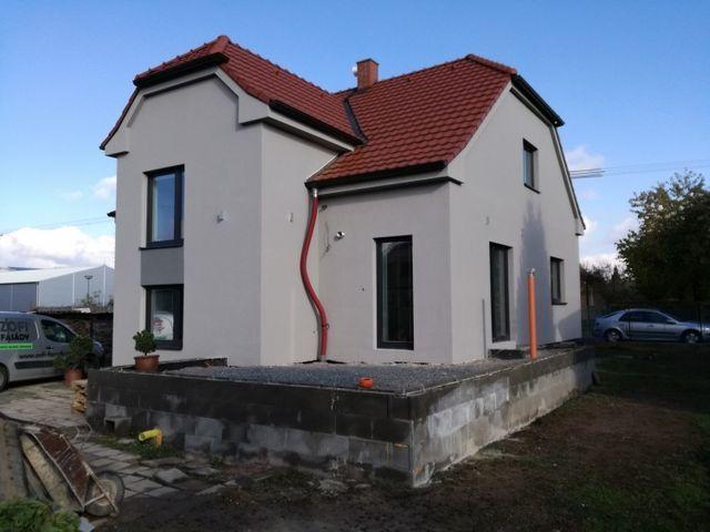 Obrázek 1 pro referenci Zateplení fasády RD šedým polystyrenem Slatiňany   STAVBA 16029