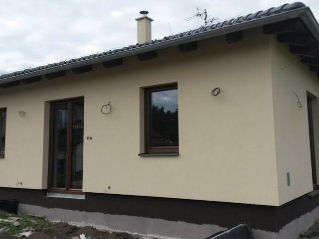 Obrázek 1 pro referenci Paropropustné zateplení fasády RD Praha Borohov | STAVBA 16017