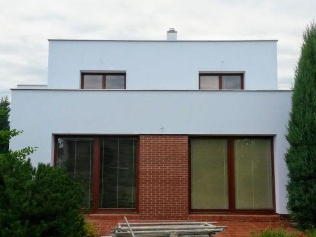 Obrázek 1 pro referenci Paropropustné zateplení fasády RD Praha Černošice | STAVBA 16013